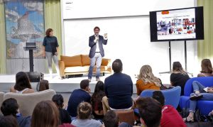 Vicente Sales durante la presentación del Cuaderno de Tendencias Hábitat 17/19